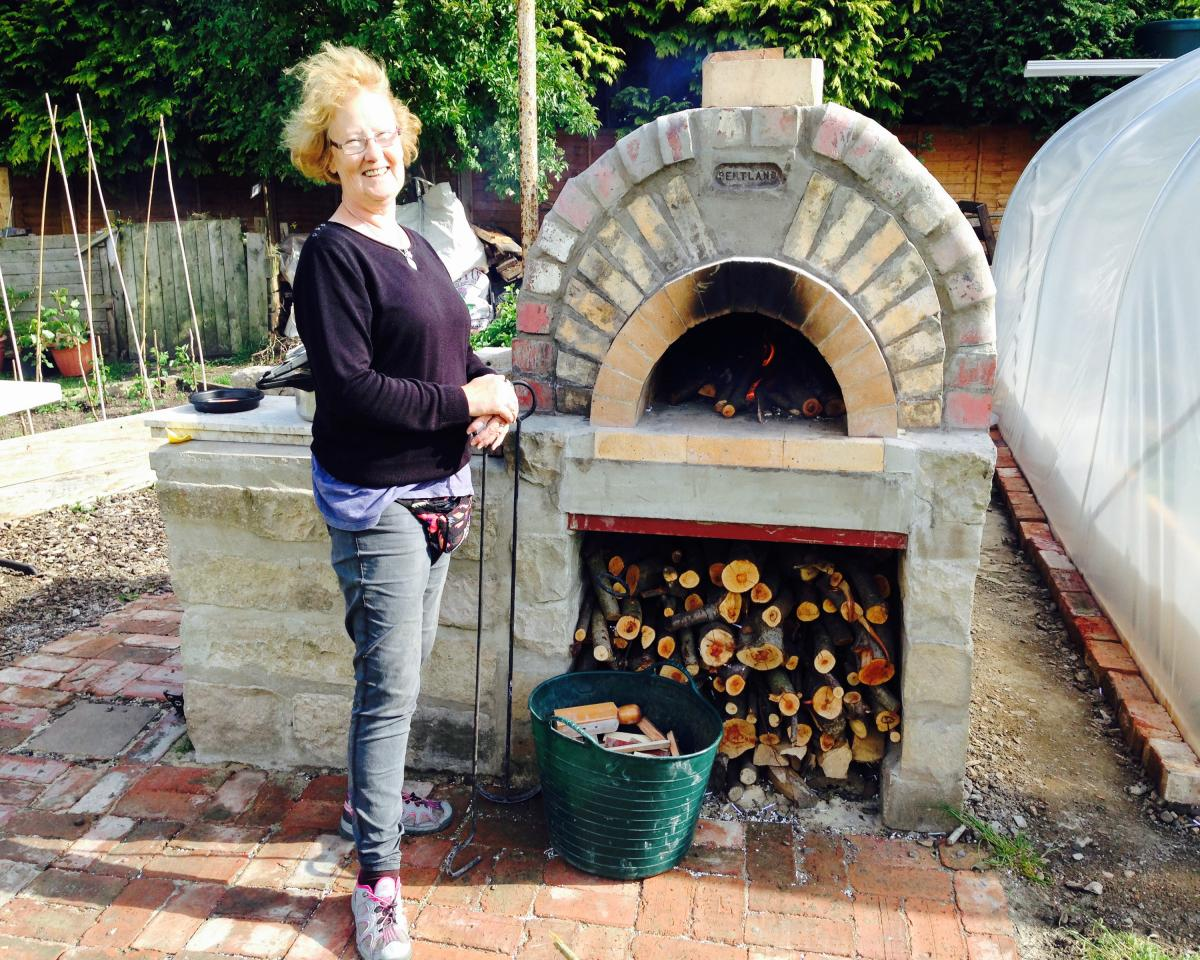 lochend_pizza_oven_middle_0.jpg